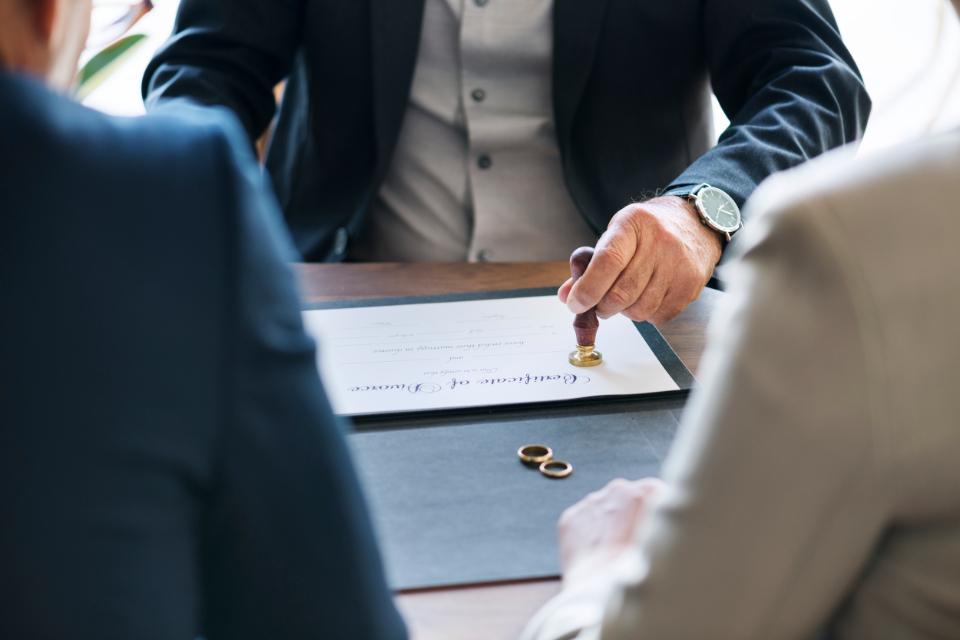 Divorce à l'amiable : Quelles questions se poser pour choisir un avocat ?
