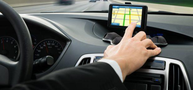 Avantages d'un traceur GPS pour votre voiture