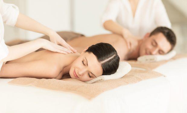 Massage aux huiles essentielles pour mincir et tonifier les muscles