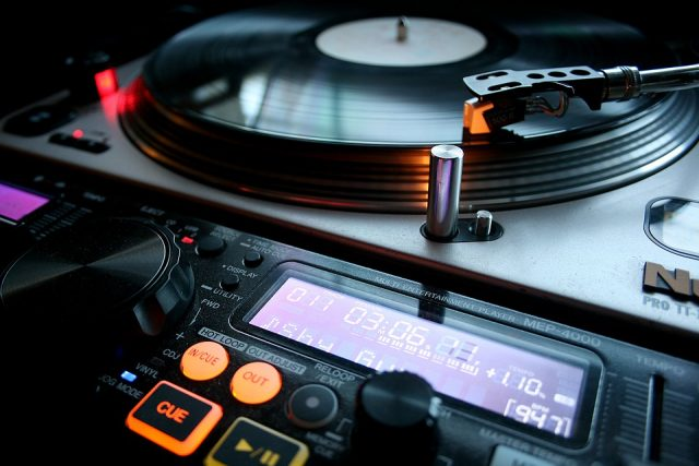 Les différentes prestations d'un DJ et ses tarifs